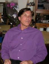 Douglas 59 y.o. from USA
