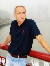 Eric 60 y.o. from France