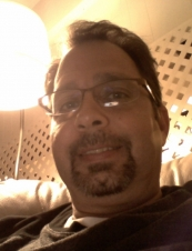 Raymond 56 y.o. from USA
